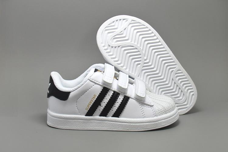 c13ff4bceb2 adidas Originals Superstar J Casual Low-Cut Basketball Sneaker ...